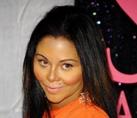Lil Kim Sued For $15 Million!