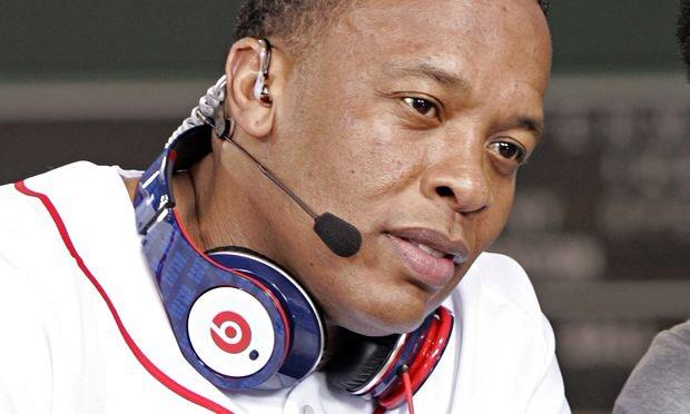 Dr. Dre To Be Hip Hop's First Billionaire By Selling Beats By Dre to Apple