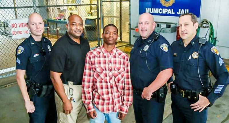 While Being Arrested, Florida Teen Saves Police Officer Life And Honored As A Hero