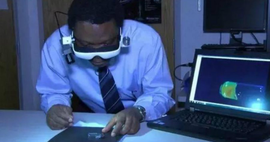 This Doctor Invented Goggles That Can See Cancerous Cells and He's Not Stopping There